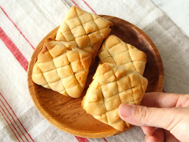 食パン1枚から、メロンパン4個が完成!
