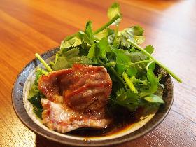 980円で絶品ラム肉を堪能! ラム×パクチーの神コラボが味わえる『ジンギスカン 羊一』がいま話題