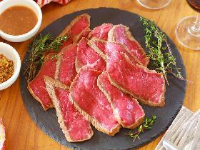 年末年始のおもてなしは「炊飯器ローストビーフ」におまかせ!ローストビーフの簡単レシピ&華やかアレンジ
