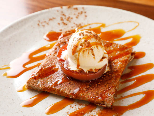 パリッモチッの本格「ガレット」は至福のおいしさ!仏ブルターニュの美食を味わう神楽坂フレンチレストラン