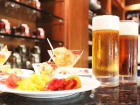 「パーク ハイアット 東京」で限定クラフトビールが飲み放題のビアイベントが今年も好評開催中