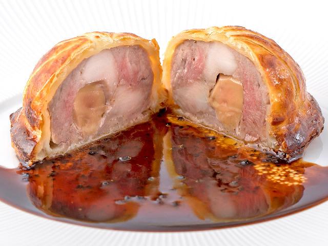 美食家たちが愛してやまない絶品「パイ包み焼き」は絶対食べたい! 東京フレンチ屈指の名店『モノリス』
