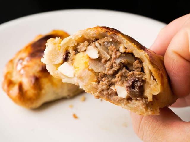 ジューシーな肉がぎっしり! 餃子マニアが思わず唸った、アルゼンチンの肉肉しい餃子がうますぎてリピ確定