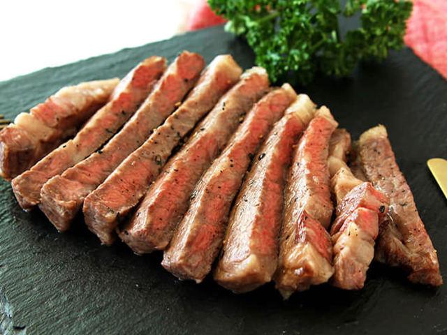 ひと手間で格別においしくなる!スーパーで買ったステーキ肉が簡単に「お店の味」になる裏ワザ