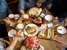 ビール好き集合! クラフトビールの激戦区・神田に、カジュアルビアダイニング『シュマッツ』がオープン