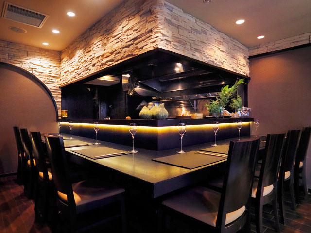 記念日やご褒美ディナーにオススメ!「1日1組だけ」の特別な体験を味わえる、東京の隠れ家レストラン3選