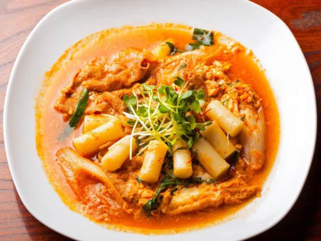 フライパンひとつで寒さ対策!ピリ辛アツアツの韓国料理レシピ