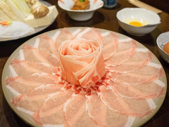 沖縄で絶対いきたい、幻の豚「アグー」の名店! 良質な脂と溢れる甘みは忘れられない味