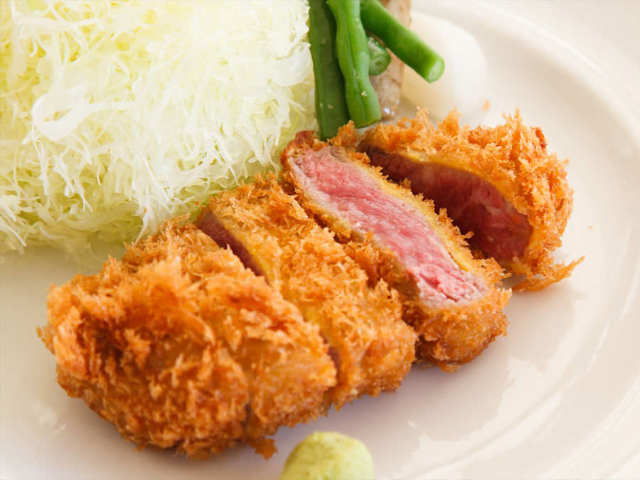 肉料理から〆オムライスまで食通を魅了した赤坂の旬香亭が目白に