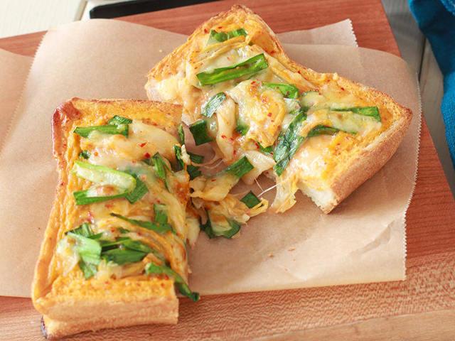 食パンでチヂミが作れる!? 韓国グルメをトーストで味わえる、簡単アレンジ3選