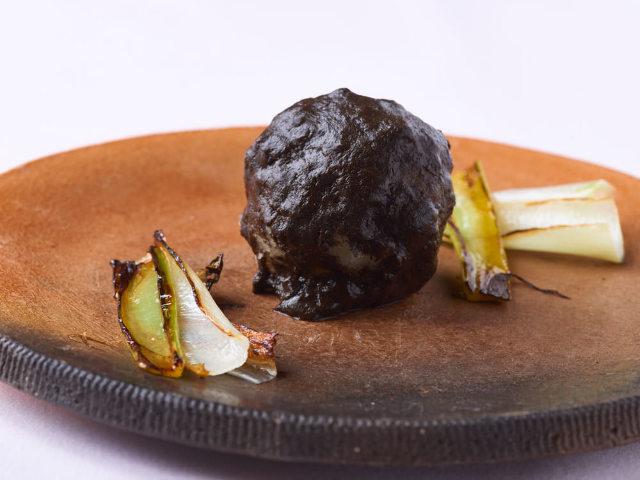 土料理って? 五反田『ヌキテパ』は土を味わう、フレンチレストラン! 予約して土料理を味わおう。