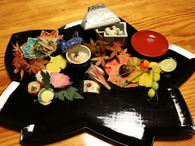 漫画家・江川達也が老舗『つきぢ田村』へ。おふくろの味がだしのない味噌汁の味になっているのは実に哀しい