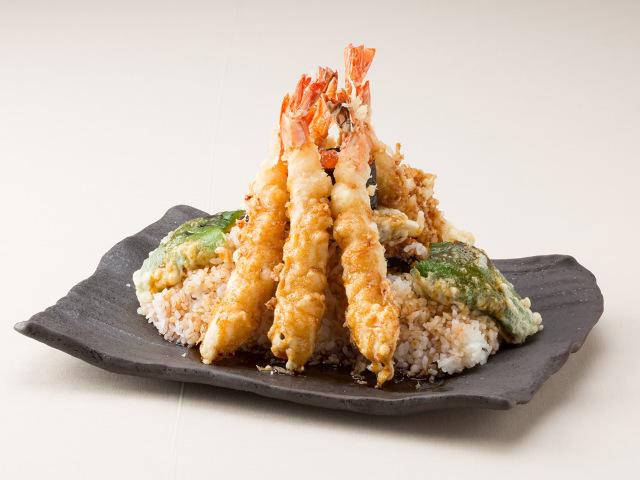 名物「富士山天丼」に世界中が歓喜! 外国人観光客に愛される天ぷら専門店『いだ天』【河口湖】