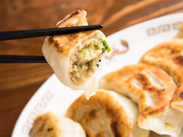 つけ麺発祥の『東池袋 大勝軒 本店』は、つるっもちっのジャンボ餃子も魅力!