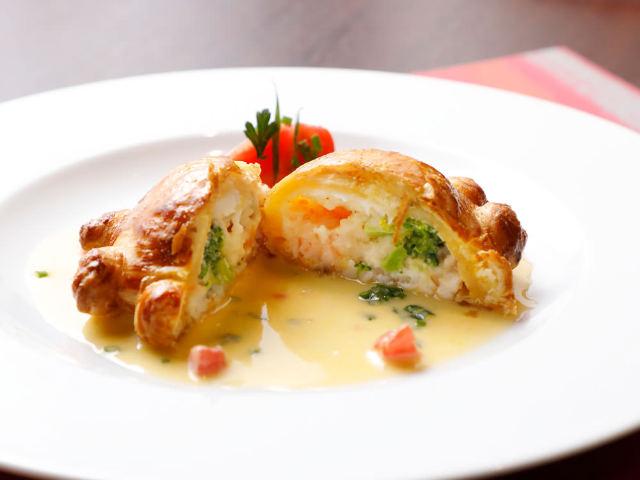 カトラリーを使う順番は?パンはいつ食べていいの?プロが教えるフランス料理のマナーの画像