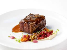 数々の賞に輝く『アレクサンダーズ ステーキハウス』で極上肉を堪能!超スペシャルなクリスマスディナーも