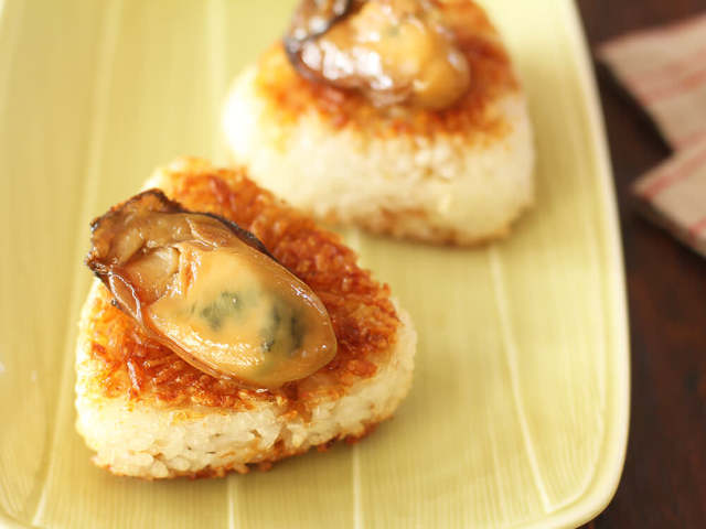牡蠣のうまみをギュッと凝縮! かけるだけで何でもおいしくなる万能調味料「牡蠣醤油」の作り方