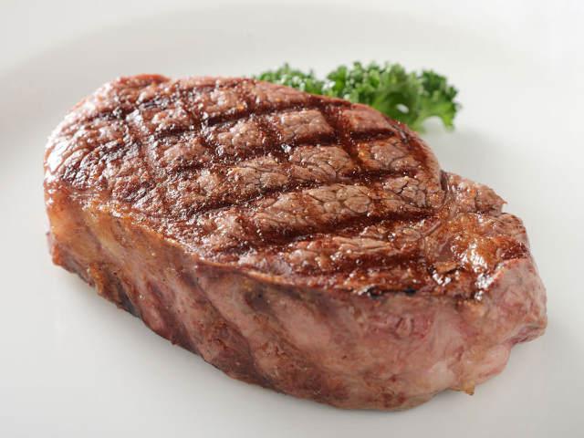 極上の赤身肉が味わえる!おいしさを極めた、伝説の「会員制ステーキハウス」がここだ【予約方法教えます】