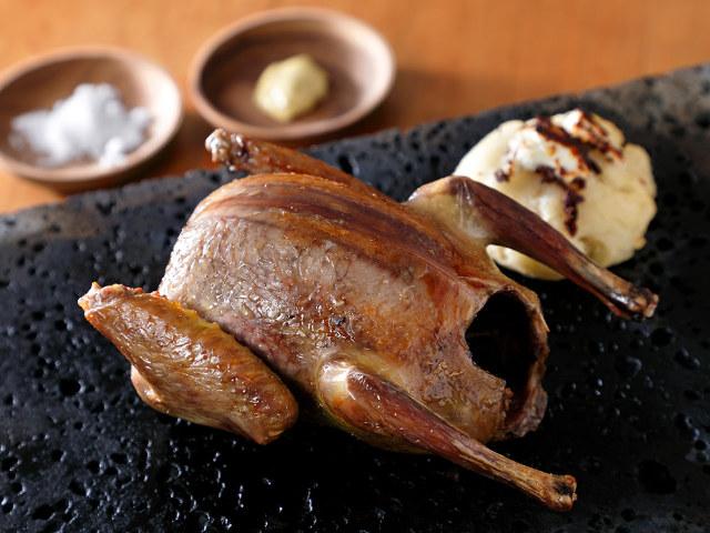 「鳩肉専門店」が赤坂に誕生!マニアックな美味に酔いしれる『鳩肉屋』で濃厚ジューシーな鳩肉を堪能すべし