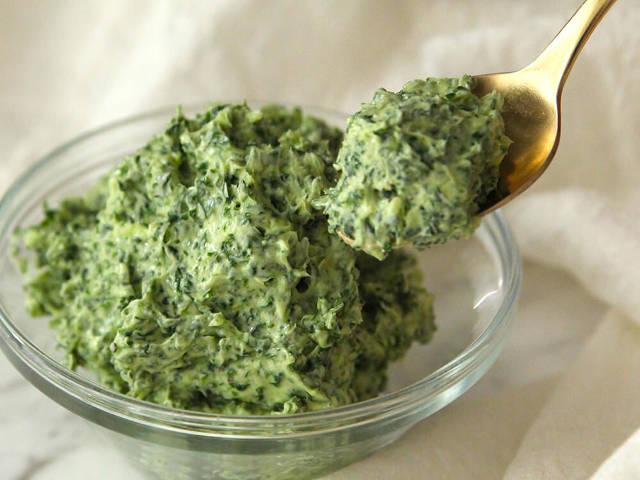 ニンニクとパセリをバターに混ぜるだけ!香り豊かな万能調味料「エスカルゴバター」のレシピ【作り置き可】