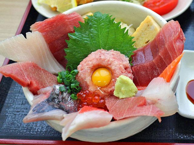 港町「銚子」で海の幸を満喫したい! 漁港の獲れたて魚を豪快に味わう、魚づくしの名店めぐり
