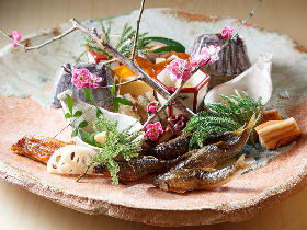 半年先まで予約待ち!? 全国の美食家たちが集まる『銀座しのはら』でしか体験できない日本料理の真髄とは