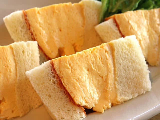 「厚焼き玉子サンド」が全国的に大ブーム! 人気がとまらない、都内の「玉子サンドがうまい店」まとめ