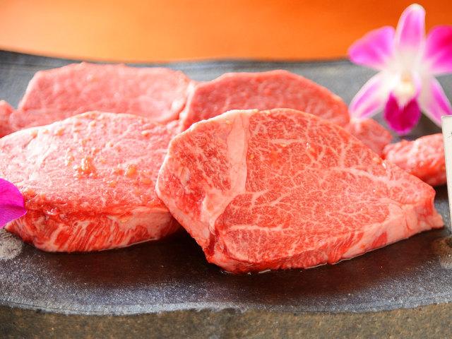 極上「シャトーブリアン&ヘレ肉」をがっつり味わう! 肉の名店が開いた、会員制焼肉店『きみや』【大阪】