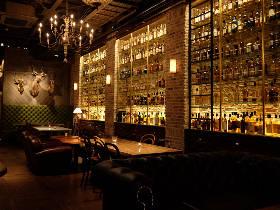 1,000種以上のウイスキーを揃えるバー『Tokyo Whisky Library』で夜を楽しもう!