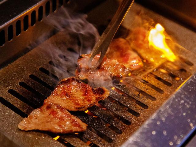 【超保存版】これが焼肉の焼き方決定版!ガスロースター店で部位ごとの焼き方を肉の専門家が超詳しく解説!