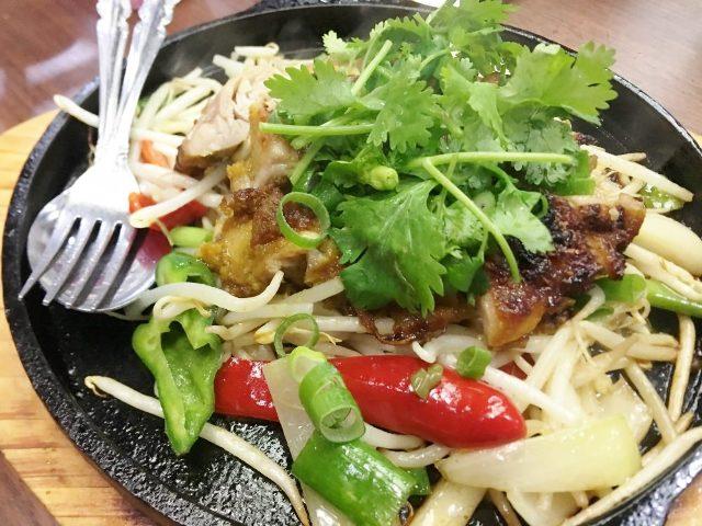 タイ東北の食彩の地「イサーン」へ!現地そのものの優しさとおいしさ溢れるお袋の台所が浅草に帰ってきた