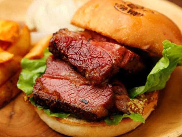 【東京最強のハンバーガー店まとめ】今すぐ喰らいつきたい、肉汁あふれる最旬バーガーがこれだ!