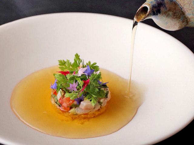 美しき料理に潜む懐かしい味。唯一無二の鳥羽マジックを求め既に予約殺到のフレンチ・代々木上原『sio』