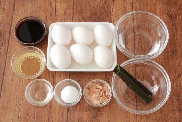 おいしい味付けのポイントは仕上げのカツオ節!「基本の煮卵・醬油味」
