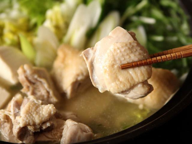 今までの水炊きはなんだったのか…! 鶏肉のうまみを最大限に味わう、究極の「博多風水炊き」の作り方