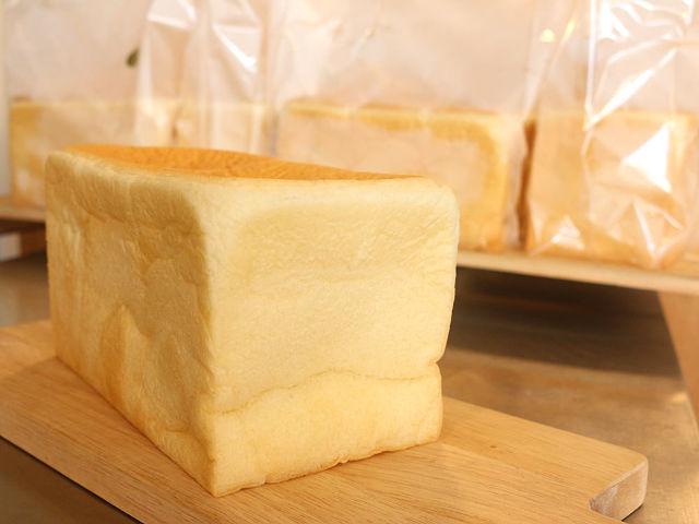 神戸で行列のできる「食パン専門店」が東京に! 素材にトコトンこだわった食パンを一度は食べてみるべし