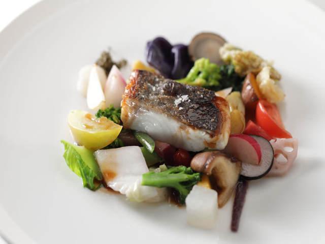 旬の地野菜もたっぷり堪能! 築100年の京町家で絶品フレンチが楽しめる『モトイ』