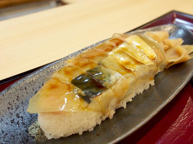 【寿司好きは知っておくべき名店】大阪を代表する寿司「バッテラ」発祥の店