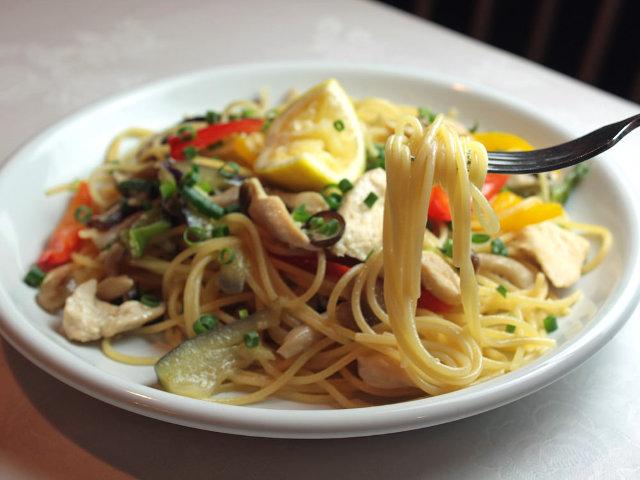スパゲティの数は200以上!ランチからワインも飲み比べできる、昭和レトロな『平井スパゲティ』【仙台】