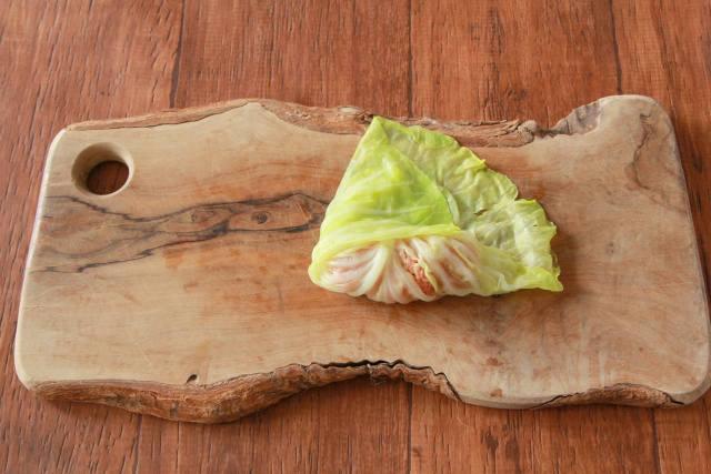 煮崩れしらず。楊枝なしでもきれいに巻ける「ロールキャベツ」のレシピ