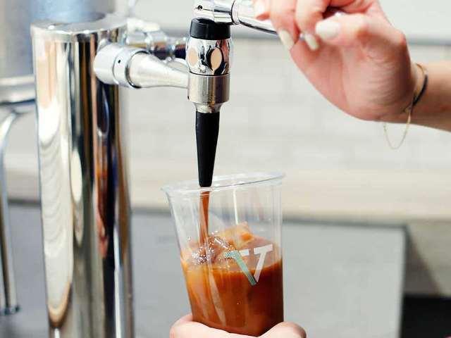 アメリカ発の進化系コーヒーが話題! クリーミーな新感覚「ドラフトコーヒー」が飲める都内の店まとめ
