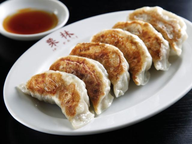 マニアも悶絶。府中の「中華料理 栗林」であのラグビー選手も愛する餃子が食べられる