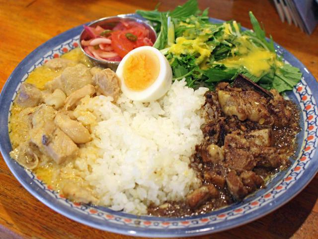 わずか40分で売り切れも! 新宿ゴールデン街なのに昼しか営業しない「超人気カレー店」