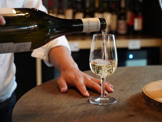 3,000円で100種類の厳選「ワイン」が飲み放題!? 赤坂に誕生したワインバー『ノムノ』