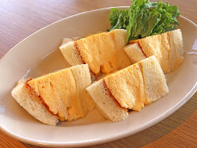 ふわっとろ~な極厚玉子サンドがたまらない!京都の老舗レシピを継承した行列店『マドラグ』が神楽坂に誕生