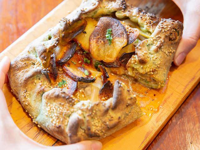 日本唯一のマルタ料理専門店! 新橋『レストランマルタ』の「フティーラピッツァ」はクセになるおいしさ