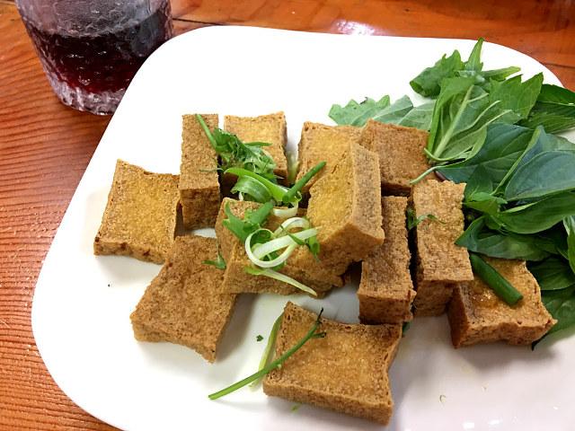 神奈川県の「いちょう団地」で、リアルなベトナムの料理と空気を味わう