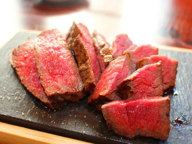 肉好きなら絶対行きたい! 予約がとれない肉料理の超人気店『肉山』プロデュースの肉専門店まとめ