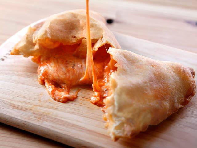 ミラノで人気の「包み揚げピザ専門店」が代官山に上陸!ランチ・軽食にオススメの『イル パンツェロット』