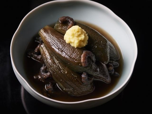 とろけるほどにやわらかい「なすの丸炊き」が絶品! キンキンに冷やして食べたい夏のおつまみレシピ